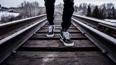 reasons leadership bad character leader follow shoes tracks image